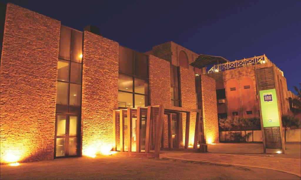 Fachada Hotel Porto Suítes Natal
